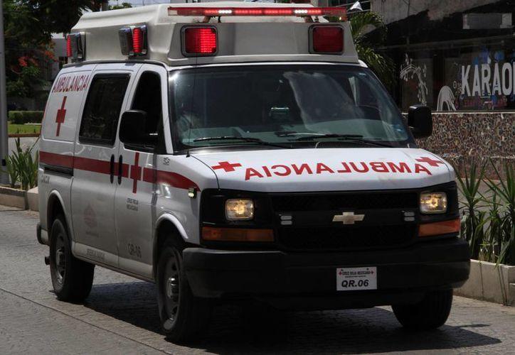 La labor de la Cruz Roja es atender el percance y luchar por salvar la vida de las personas. (Tomás Álvarez/SIPSE)