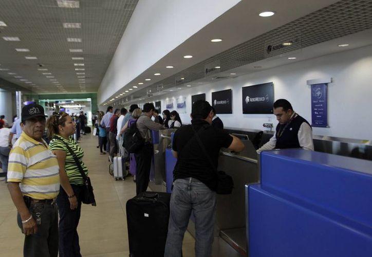 El aeropuerto de Mérida espera que esta temporada vacacional los aviones se llenen al 100%  de su capacidad. (Christian Ayala/SIPSE)