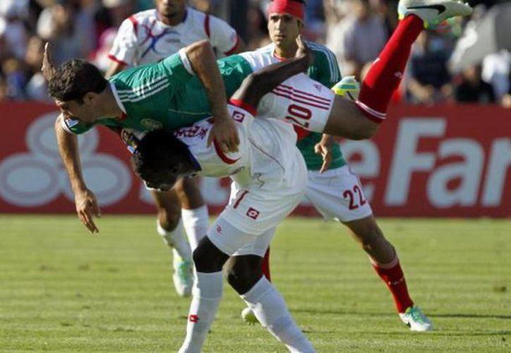 En la pasada Copa de Oro, los panameños infringieron por primera vez dos reveses a los mexicanos en un torneo oficial. (Agencias)