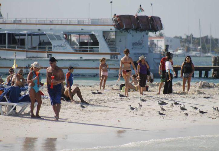 El turismo nacional incrementa su presencia en este destino turístico. (Israel Leal/SIPSE)