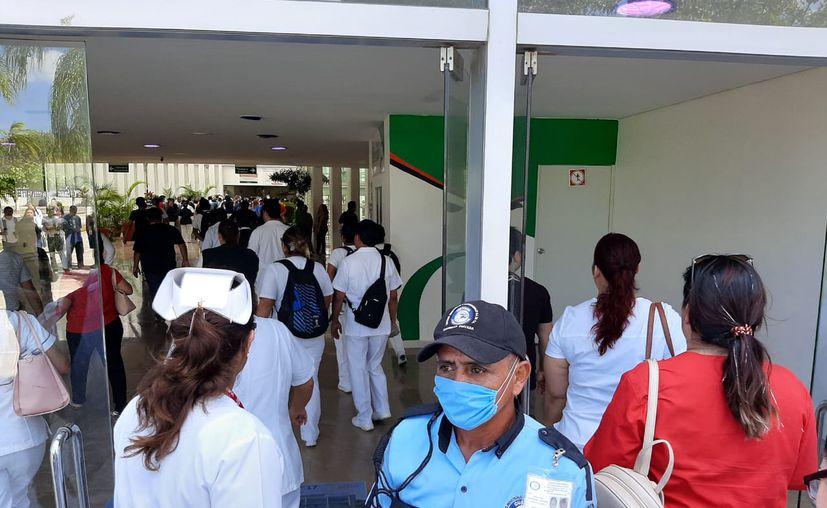 Los directivos del hospital afirmaron que se vigila la administración, distribución y buen uso de los insumos. (Paola Chiomante/SIPSE)