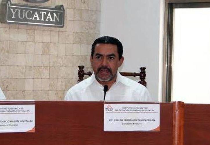 Los ayuntamientos de Progreso y Motul han solicitado la intervención del Iepac en el proceso de elección de sus comisarios, declaró el consejero electoral del Iepac, Carlos Pavón Durán. (SIPSE)