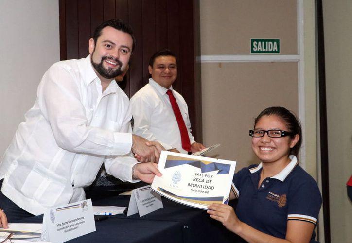 Ana Esther Heredia Cen obtuvo una beca de movilidad. (Foto: Milenio Novedades)