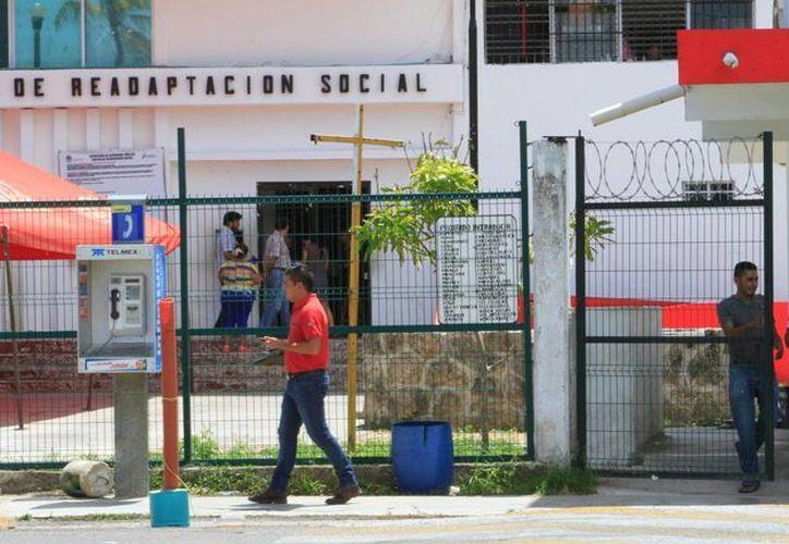 La falta de recursos para la construcción de cárceles propicia hacinamiento. (Ángel Castilla/SIPSE)