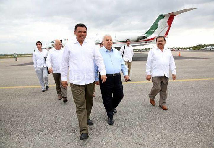 El gobernador Rolando Zapata estará este lunes en a Escuela Primaria 'Niños Héroes' y en el Cobay plantel Chenkú.  (SIPSE)
