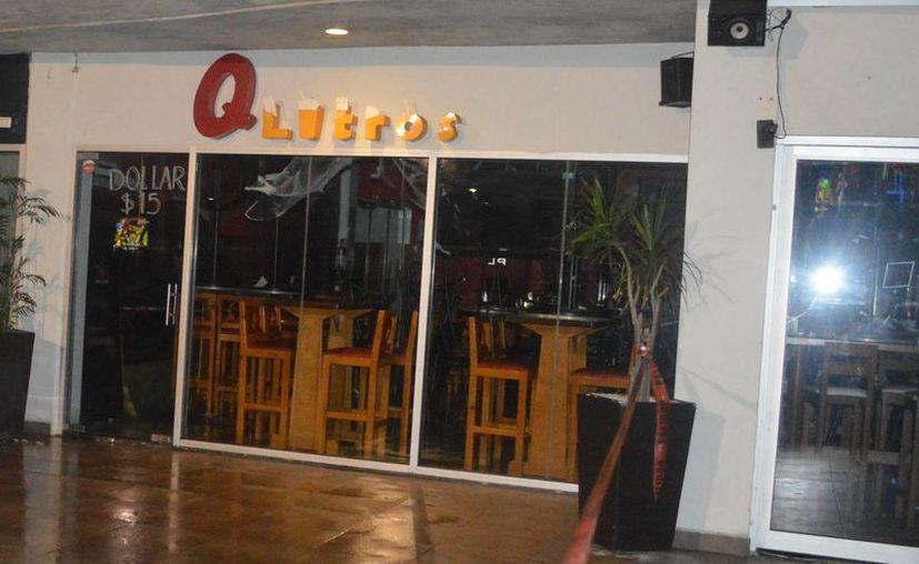 El 21 de octubre un grupo armado ingresó al bar Q Litros. (Eric Galindo/SIPSE)
