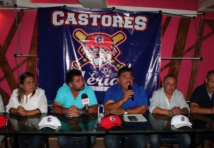 Los Castores contarán en sus filas con Óscar Rivera, Héctor Castañeda y Álvaro Pacho, grandes jugadores de la Liga mexicana de beisbol.(Milenio Novedades)
