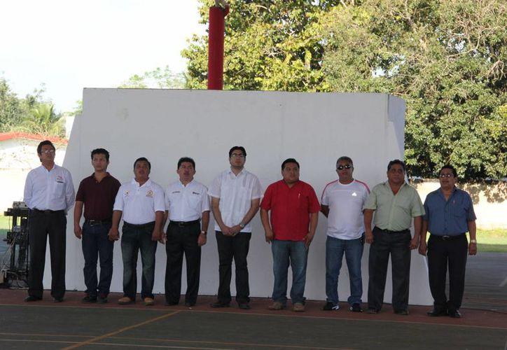El secretario general de la Comuna, Alejandro Flota Becerra encabezó el acto conmemorativo. (Cortesía/SIPSE)