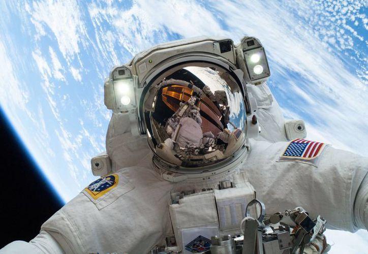 Mexicanos están trabajando en un microdispositivo capaz de monitorear la salud de los astronautas. (NASA)