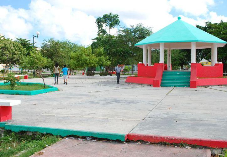Las autoridades instalaron en el parque de la 95 cámaras de vigilancia. (Tomás Álvarez/SIPSE)