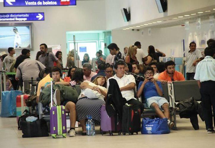 A diferencia del Aeropuerto de Campeche, el de Mérida registra una baja incidencia en retrasos en vuelos. (SIPSE)