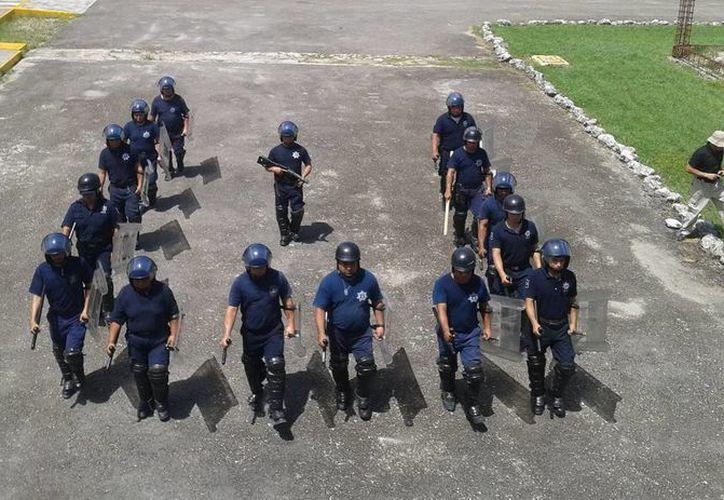 El grupo de elementos policíacos esta preparado para cualquier circunstancia. (Redacción/SIPSE)