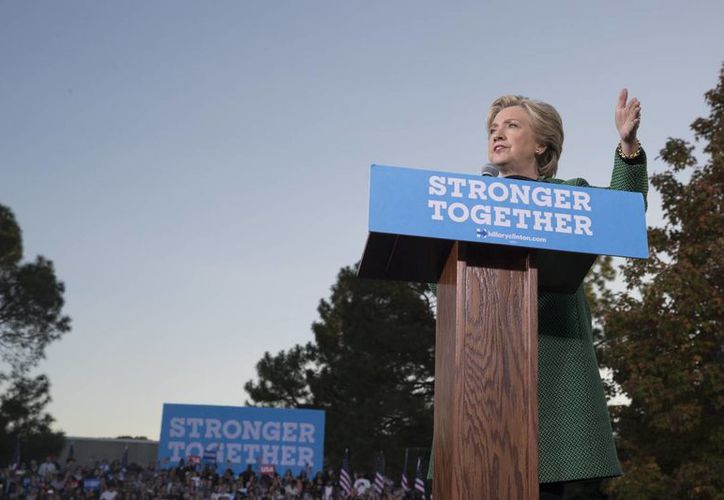 Hillary Clinton goza del respaldo de influyentes medios de comunicación de Estados Unidos, como The New York Times y The New Yorker. (AP/Mary Altaffer)