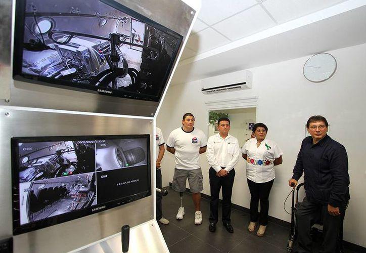 La Cámara Hiperbárica fue inaugurada en el Centro Médico de Cozumel. (Cortesía/SIPSE)