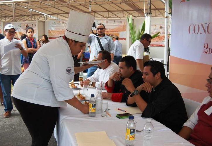 En el 2015 participaron 103 personas entre productores, artesanos y prestadores de servicio. (Ángel Castilla/SIPSE)