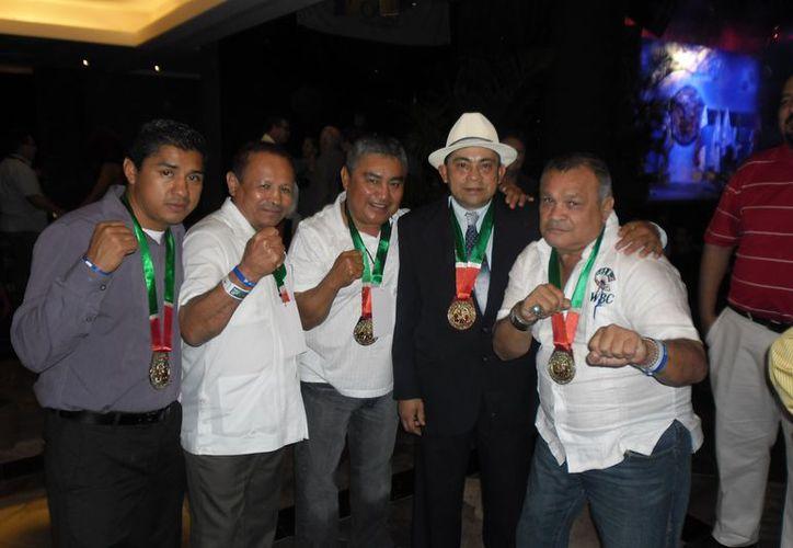 Ex boxeadores apoyan la idea de la creación de un museo del deporte yucateco. (SIPSE)