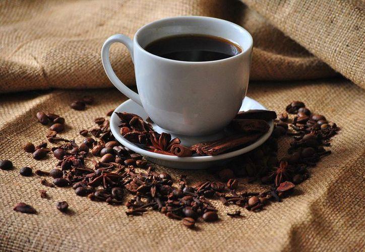 Estudio revela que la cafeína ayuda a bajar de peso