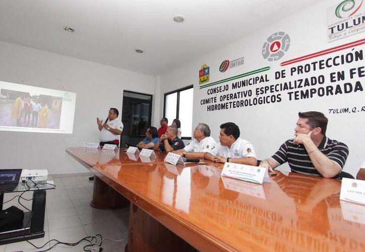 Las autoridades instalaron el Comité Operativo Especializado en Fenómenos Hidrometeorológicos para la temporada 2015. (Redacción/SIPSE)