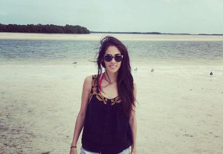 La mamá del pequeño Andrés, se 'escapo' a la tranquilidad del mar de Holbox. (Instagram: Sandra Echeverría)