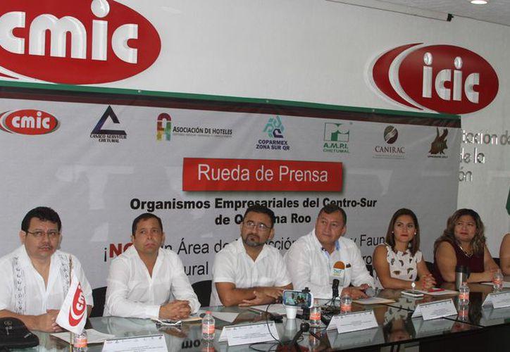 Asistió la Asociación de servicios turísticos, la AMPI, la Coparmex, la Canirac y la unión de propietarios de restaurantes. (Joel Zamora/SIPSE)