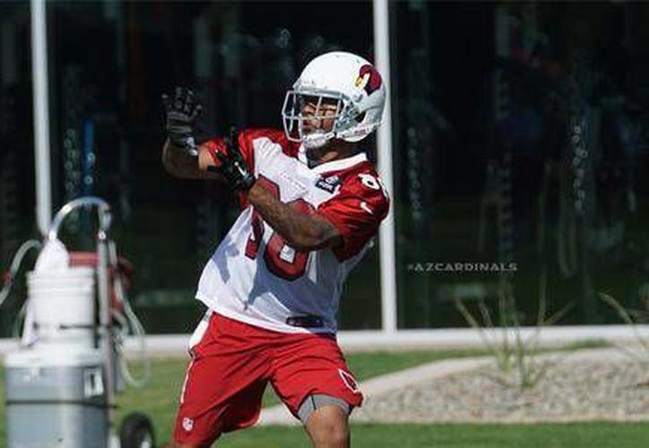 Hieren a tiros al receptor novato de los Arizona Cardinals, Damond Powell, afuera de su casa, en la foto el jugador durante unos entrenamientos con su equipo. (@AZcardinals)