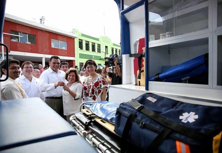 El Gobernador de Yucatán otorgará este viernes ambulancias a la delegación en Yucatán del Issste. (Archivo/ Milenio Novedades)
