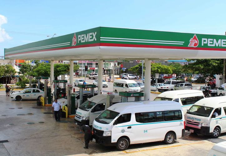 El afectado trabajaba en la gasolinera que se ubica en la avenida 30 con 38. (Octavio Martínez/SIPSE)