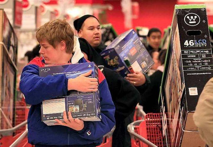 """La tradición de compras en la madrugada del """"Viernes Negro"""" se rompió desde 2011. (Archivo/AP)"""