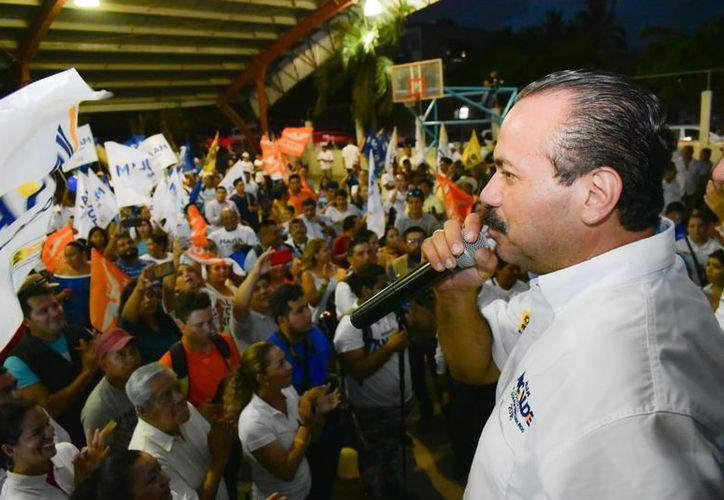 Julián Ricalde dijo que consientes de las necesidades de los habitantes del norte del estado.(Foto: Redacción/SIPSE)