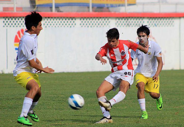 Deportiva Venados puso fin a la racha ganadora que ostentaba Pioneros Jr. (Ángel Villegas/SIPSE)