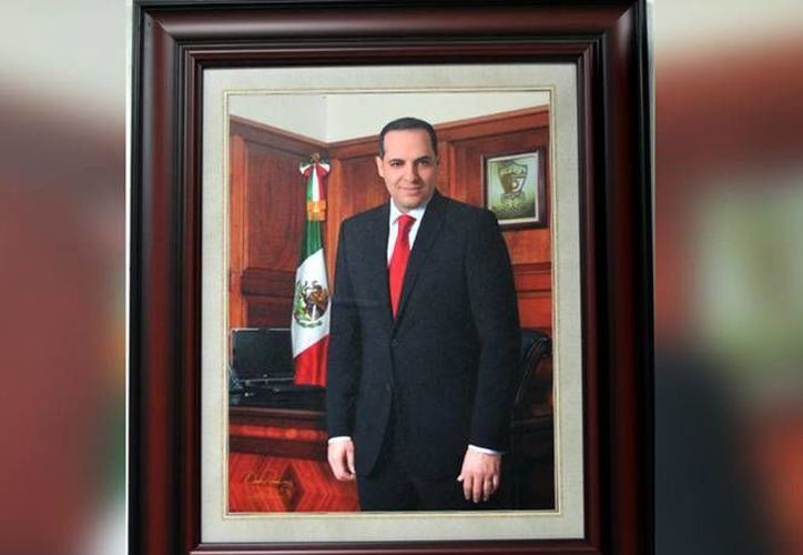 Los regidores de Ahome condenan la opacidad con la que se realizó el pago de esta fotografía oficial del alcalde Arturo Duarte. (Excélsior)