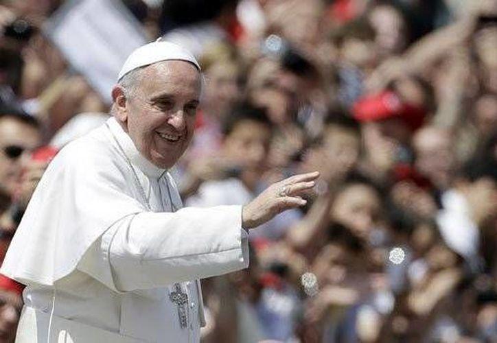 El Papa Francisco recibirá las llaves de la Ciudad de México, informó el efe de Gobierno del Distrito Federal, Miguel Ángel Mancera. El reconocimiento se le realizaría en el Zócalo, antes de entrar a la catedral Metropolitana, después de su visita a Palacio Nacional. (AP)