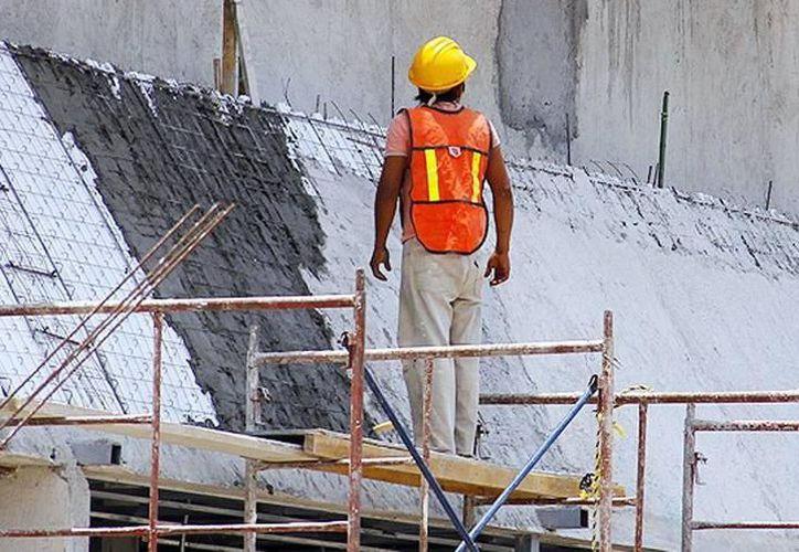 El Seguro Social reporta que durante 2017 ocurrieron, en promedio, 13 percances al día en centros de trabajo de la entidad. (SIPSE)