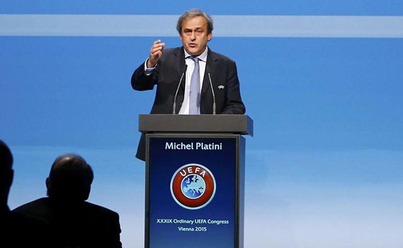El actual presidente de la UEFA Michel Platini, hizo oficial su candidatura para competir por el puesto que dejará vacante Joseph Blatter en Febrero de 2016. En la foto; Michel Platini en el congreso de la UEFA realizado hace unas semanas en Viena, Austria. (Archivo/Sipse)