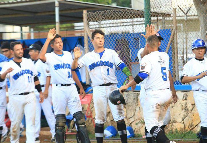 Los Senadores de la Morelos continúan en el liderato de la Liga Merida, luego de disputar 14 juegos en la Temporada.(Liga Meridana de Beisbol)