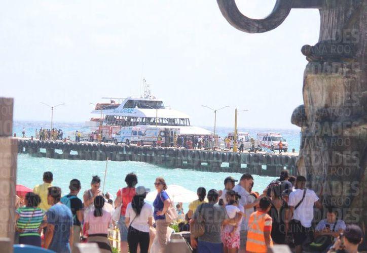 Se registró la explosión de un ferry de la empresa Barcos Caribe en el muelle fiscal de Playa del Carmen. (Foto: Daniel Pacheco)