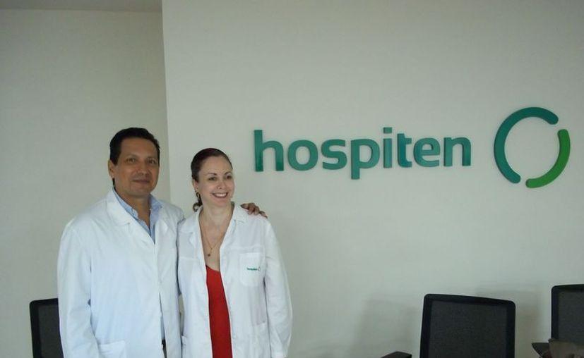 Equipo médico de especialistas en pediatría, ginecología y obstetricia, David Roa Quintanar y Aranzazu Rangel Gómez. (Cortesía)