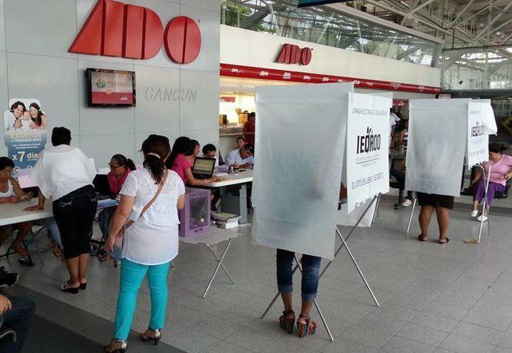 Casilla especial ubicada en la terminal del ADO. (Jesús Tijerina/SIPSE)