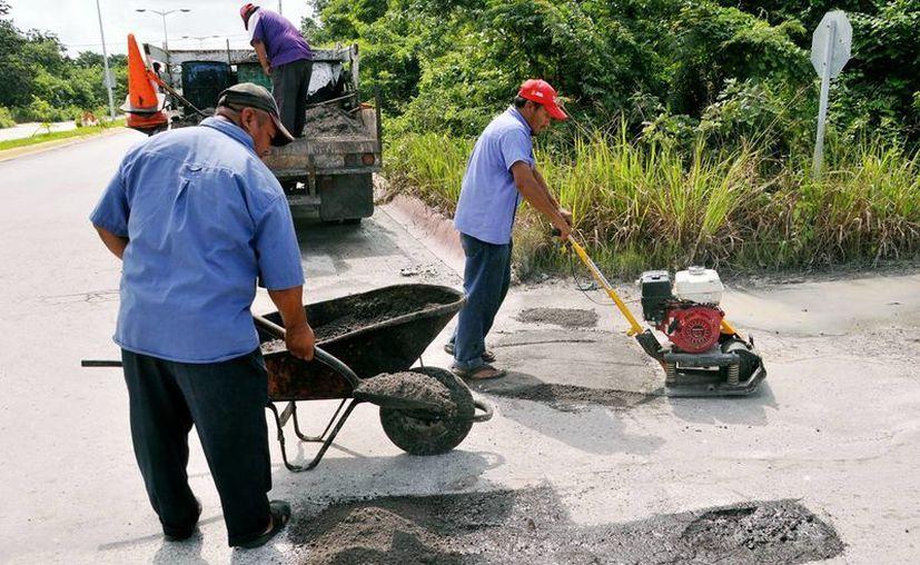 Realizan mantenimiento en las calles de la ciudad. (Cortesía/SIPSE)
