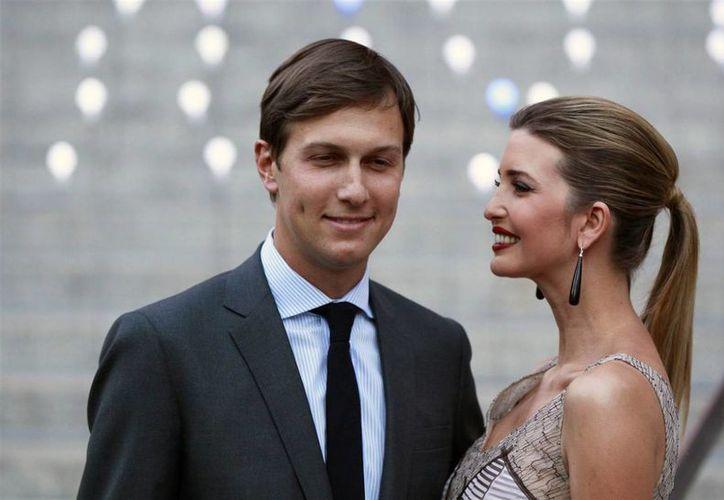 Ivanka Trump viajaba con su esposo Jared Kushner hacia Florida desde Nueva York. (nbcnews.com)