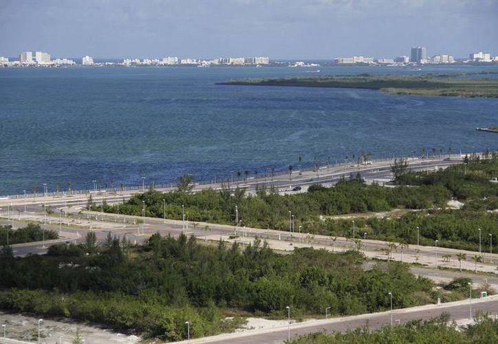 Gobierno federal inaugurará de manera oficial el Malecón Tajamar. (Israel Lean/SIPSE)