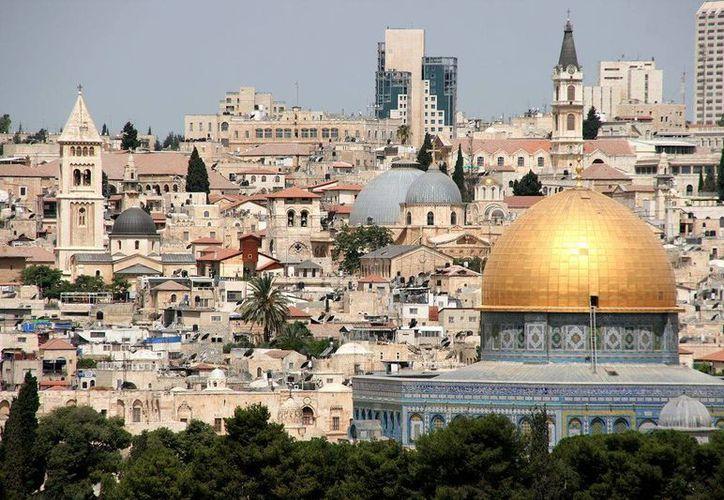 La ciudad de Jerusalén fue nombrada por Israel, en 1980, como su capital 'eterna e indivisible'; Palestina reclama la parte oriental. (stephencodrington.com)