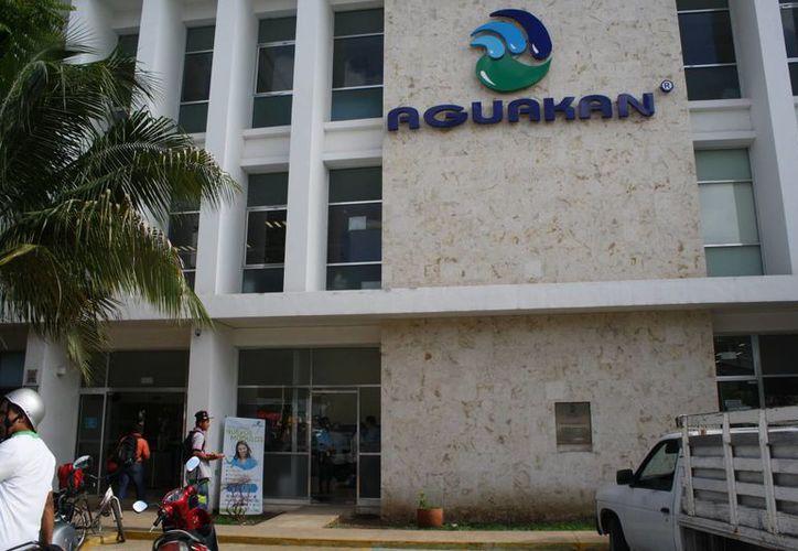 La CAPA podría asesorar a  Aguakan para sobrellevar la ola de quejas en su contra. (Octavio Martínez/SIPSE)