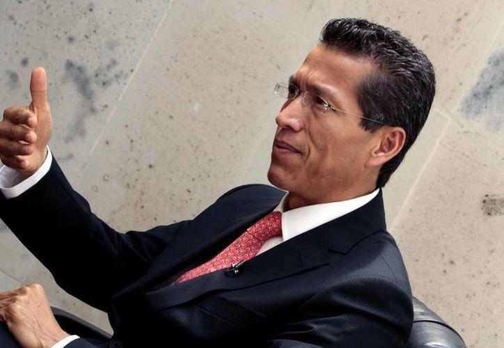 El jefe del SAT, Aristóteles Núñez, minimiza el caso de los mexicanos con cuentas en el banco HSBC de Suiza. (Foto de archivo/Notimex)