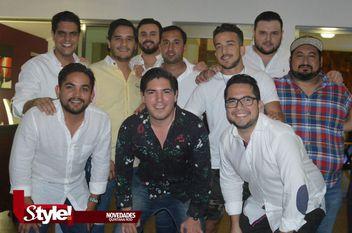 Los 25 de Alex Acevedo