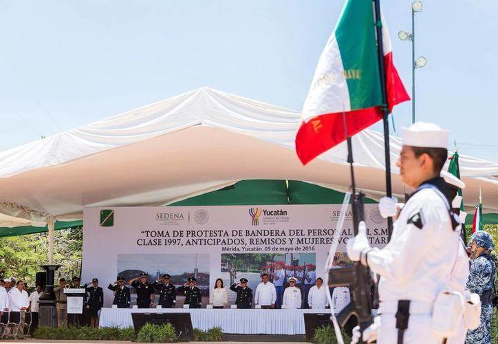 Con protesta de bandera, este jueves se conmemoró en Yucatán la Batalla de Puebla. (Foto cortesía del Gobierno de Yucatán)