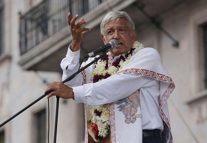 López Obrador acusó que se orquesta una campaña telefónica en su contra. (Notimex)