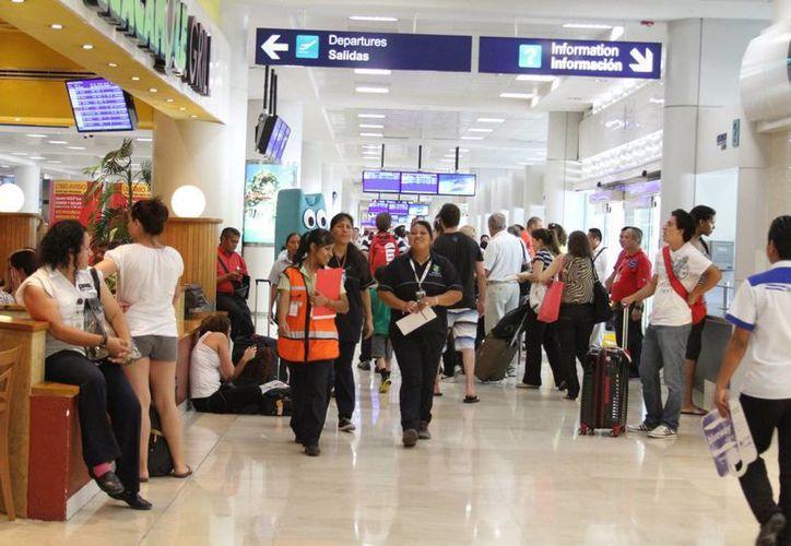 La población que reside en Cancún aprovecha las vacaciones para visitar a su familia. (Teresa Pérez/SIPSE)