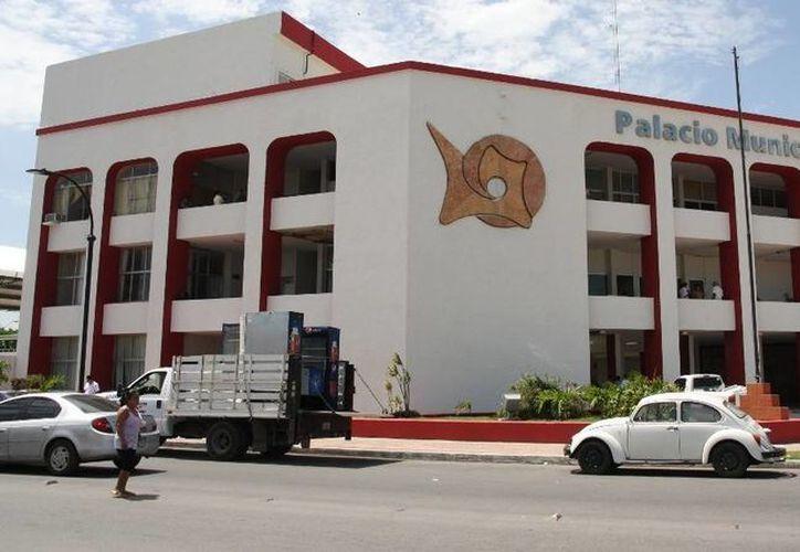 """Pablo Jesús Moreno Povedano, afirmó que en los seis meses restantes de administración municipal aplicarán el esquema """"desquite de sueldo"""". (Harold Alcocer/SIPSE)"""