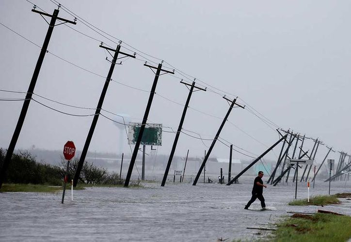 El saldo preliminar del huracán del ' Harvey ' se elevó a cinco muertos. (AP).